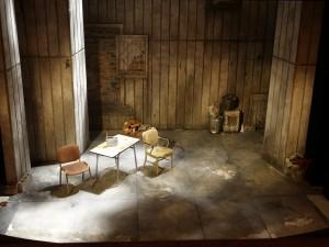 Home mise scene Gerard Desarthe décor au théâtre de l'Oeuvre