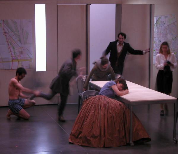 Paris nous appartient, Moukden Theatre